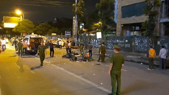 Một nạn nhân tử vong do cần cẩu rơi tời trên đường Lê Văn Lương, Hà Nội ảnh 2