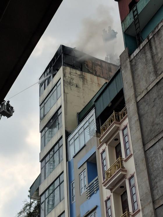 Cháy lớn quán karaoke ở Hà Nội ảnh 3