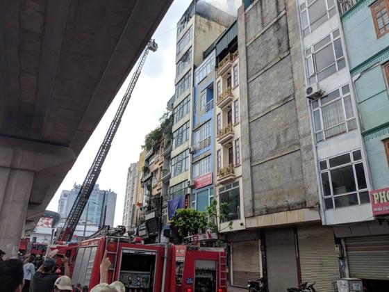 Cháy lớn quán karaoke ở Hà Nội ảnh 5