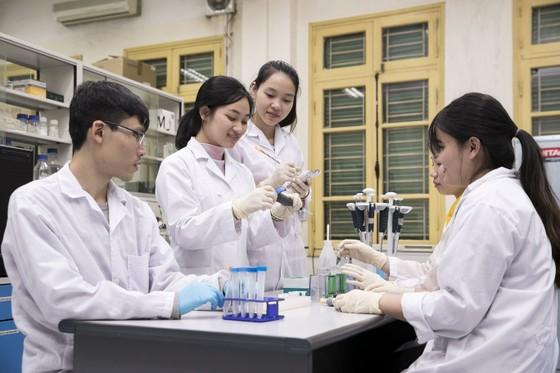 Lĩnh vực Vật lý của Đại học Quốc gia Hà Nội đứng thứ 502 toàn cầu. ảnh 1