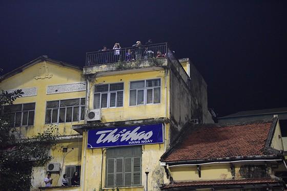 Những cách cổ vũ chỉ có ở Việt Nam dành cho tình yêu bóng đá ảnh 7