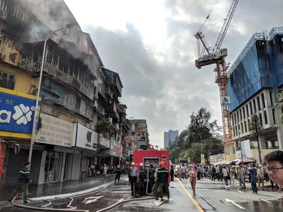 Cháy khu tập thể cũ cạnh Đại học Y Hà Nội ảnh 4