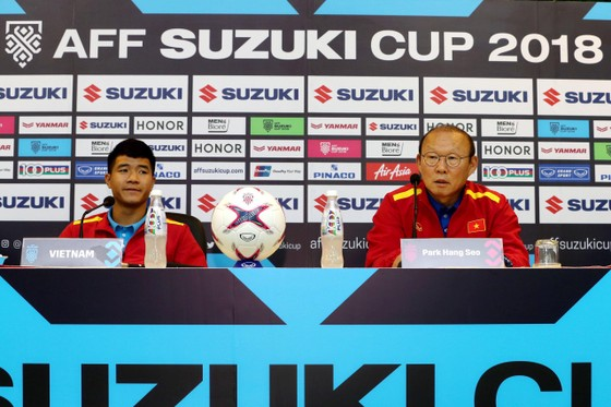 Họp báo trước Bán kết lượt về AFF Cup: Thầy Park tự tin về cơ hội đi tiếp ảnh 6