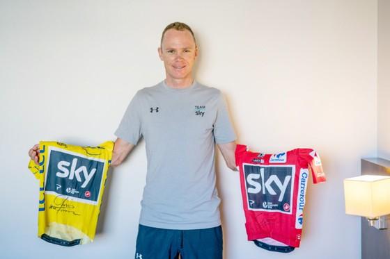 Một ngày nào đó, chiếc áo ở giữa của Chris Froome sẽ là Áo Hồng Giro