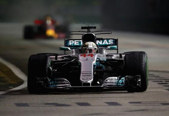 Hamilton thừa nhận thắng may mắn ảnh 2