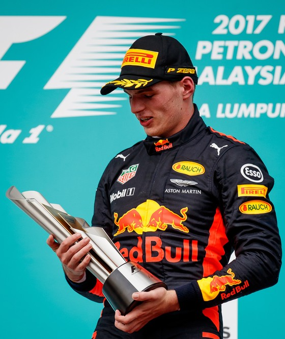 Verstappen đăng quang đăng quang ở Malaysia, Hamilton gia tăng cách biệt ảnh 1