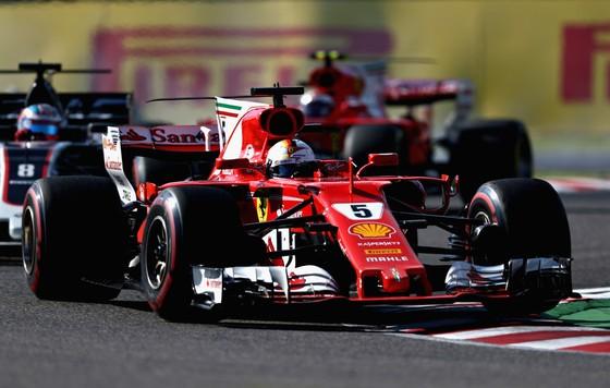 Xe của Vettel trên đường đua