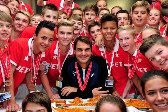 Federer cân cả thế giới? ảnh 1