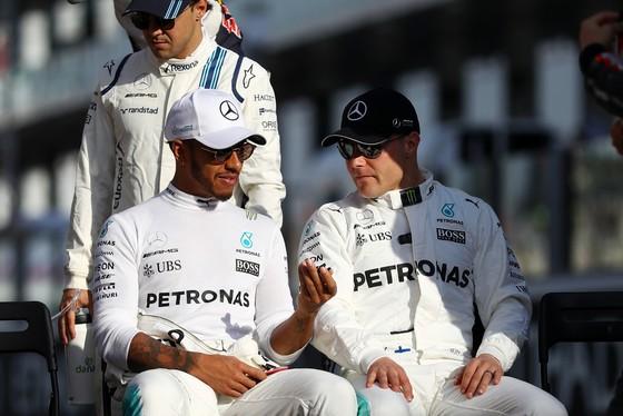 Đua xe F1 - Mercedes độc diễn ở Abu Dhabi ảnh 1