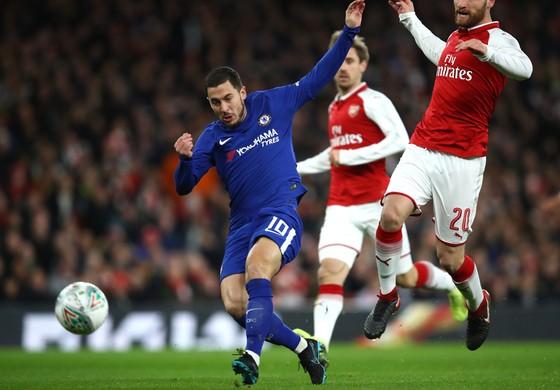 Lampard tin rằng, để giữ Hazard, Chelsea cần chi tiêu mạnh tay