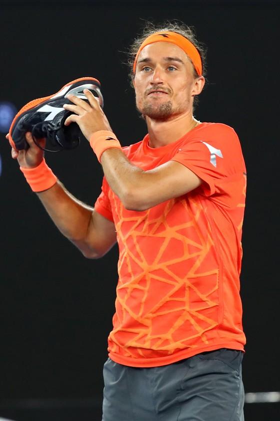 Không muốn mạo hiểm sức khỏe, Nadal sẵn sàng trao ngôi Nhà vua cho Federer  ảnh 2
