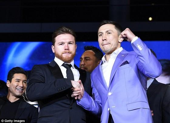 Golovkin (phải) và Alvarez