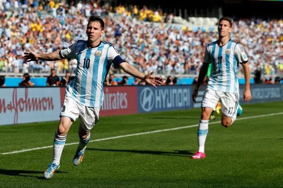 Carlos Queiroz: Messi nên bị cấm, cho đến khi nào FIFA chứng minh anh ta là con người ảnh 1