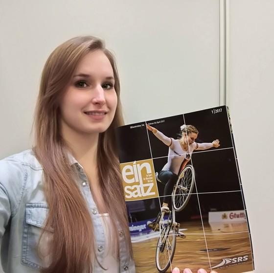 Xe đạp nghệ thuật: Viola Brand, mỹ nhân kỳ ảo trên ngựa sắt ảnh 7