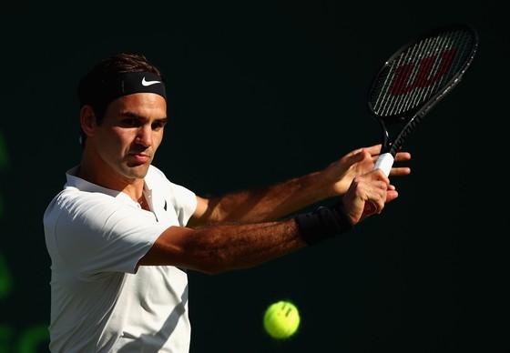 Federer trong trận thua Kokkinakis