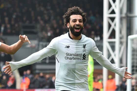 Salah ăn mừng sau khi ghi bàn vào lưới Crystal Palace, anh được nhiều người Ai Cập bầu làm Tổng thống