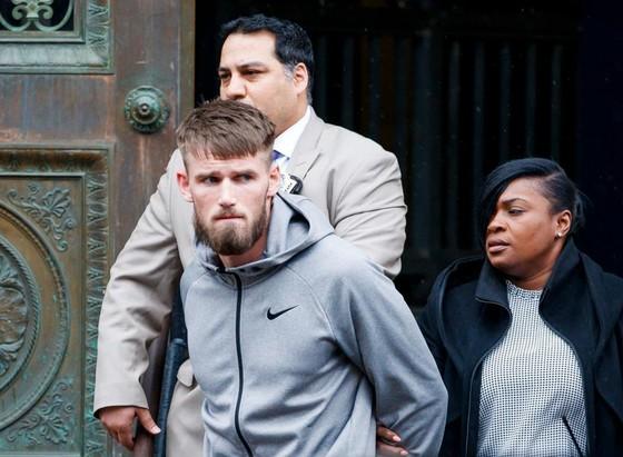 """Đấu trường UFC: Diễn biến mới nhất vụ """"Gã Ailen láo xược"""" bị cảnh sát bắt giữ ảnh 1"""