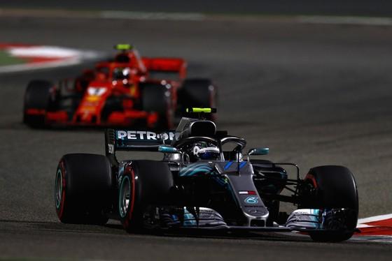 Đua xe F1: Vettel thắng chặng thứ 200, Hamilton chửi mắng Verstappen ảnh 2