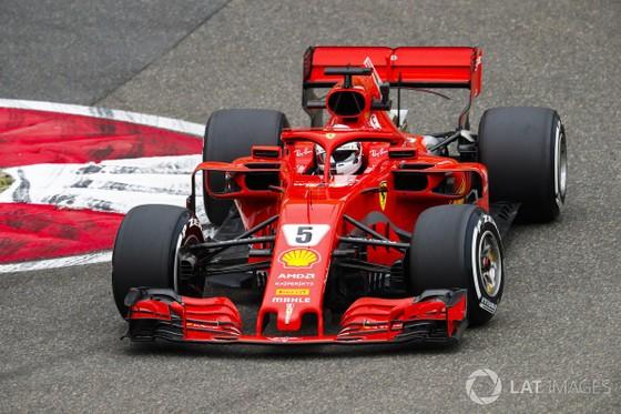 "Đua xe F1: Bị Ferrari dẫn 2-0, liệu Mercedes có ""trở cờ"" ảnh 1"
