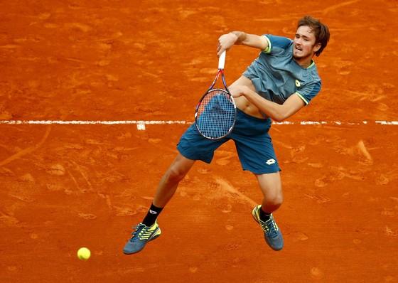 """Monte Carlo Masters 2018: """"Chiến binh Nga"""" ngập tràn, Djokovic hủy diệt Lajovic ảnh 1"""