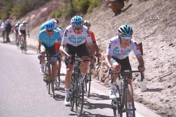 """Giro d'Italia 2018: Froome và """"biệt đội mặt dày"""" ảnh 2"""
