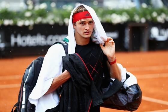 """Rome Masters 2018: Nhờ bản lĩnh và… ông trời, Nadal giành """"cú ăn 8"""" ảnh 1"""