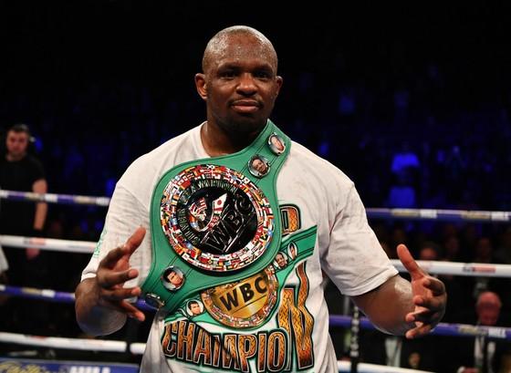 Dillian Whyte và đai vô địch WBC Silver