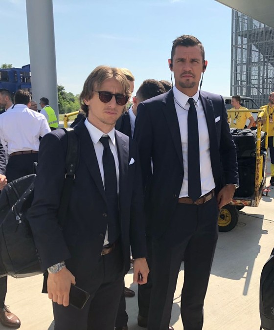 """Hình ảnh các đội tuyển đến với nước Nga tươi đẹp - Ronaldo bị """"quây"""" ảnh 7"""