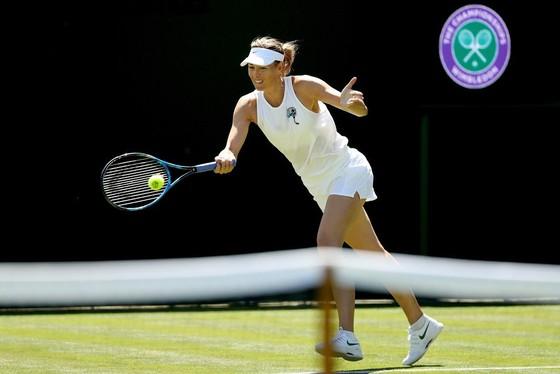 Khoảnh khắc cuối tuần: Federer chơi đùa với 2 con trai sinh đôi, Wozniacki lên ngôi ở Eastbourne ảnh 6
