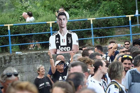 Chọc thủng lưới Juventus, Ronaldo ghi bàn đầu tiên cho… Juventus ảnh 2