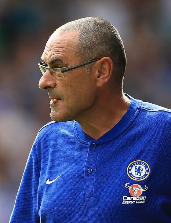 Tin bên lề: HLV Sarri sẵn sàng bỏ thuốc vì Chelsea ảnh 1