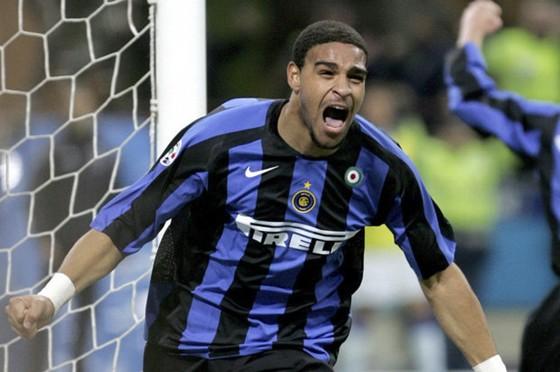 """BÊN LỀ: Salah bị Ramos """"điểm huyệt"""", Adriano tiết lộ lý do tiêu tan sự nghiệp ảnh 2"""