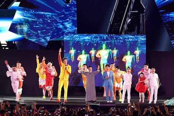 Lễ bế mạc Asiad 2018: Ngập tràn sắc màu về một châu Á đoàn kết và thống nhất ảnh 16