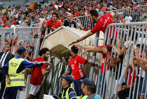 """Ai Cập – Niger 6-0: Đá hỏng 2 pha phạt đền, Salah vẫn lập """"cú đúp"""" ghi bàn và kiến tạo ảnh 7"""