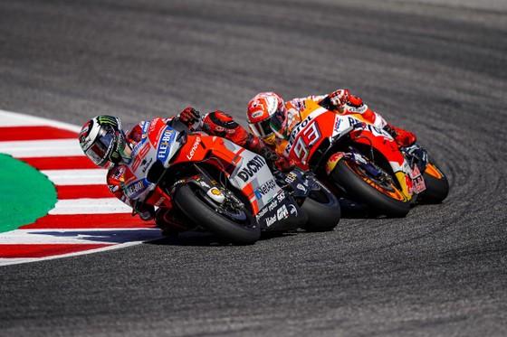 Đua xe mô tô: Đánh bại Marquez, Dovizioso giành chiến thắng ở Misano ảnh 2
