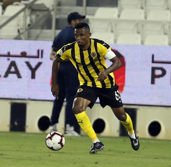 Samuel Eto'o: Ghi bàn đầu tiên cho Qatar SC ở QSL bằng… một pha đánh gót ảnh 5