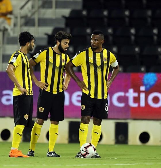 Samuel Eto'o: Ghi bàn đầu tiên cho Qatar SC ở QSL bằng… một pha đánh gót ảnh 8