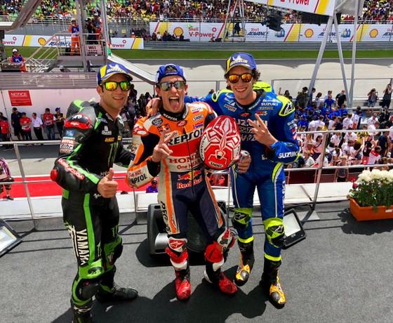 Đua xe mô tô: Xuất phát ở vị trí thứ 7, Marquez vẫn giành chiến thắng thứ 70 ảnh 2