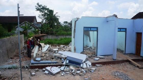 Đập dỡ nhà, 2 người bị tường đè thiệt mạng ảnh 1