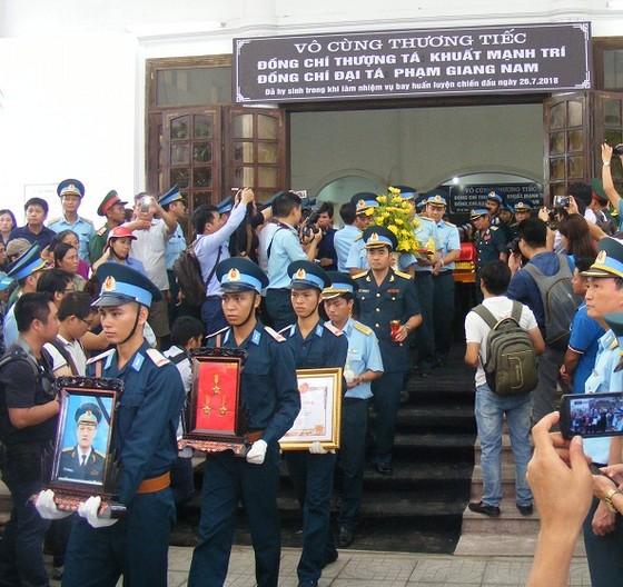 Lễ truy điệu 2 phi công hy sinh trong khi làm nhiệm vụ bay huấn luyện ảnh 8