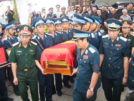 Lễ truy điệu 2 phi công hy sinh trong khi làm nhiệm vụ bay huấn luyện ảnh 9