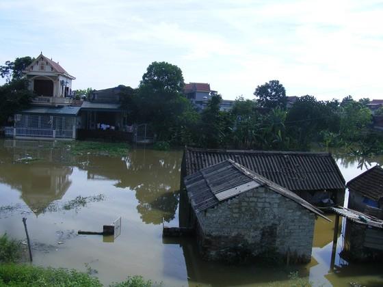 Xóm làng bỗng chốc biến thành sông ảnh 3