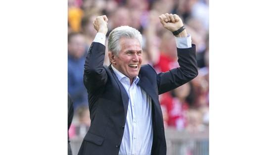 Bayern hạ gục Freiburg, Dortmund sụp đổ trước Leipzig ảnh 1