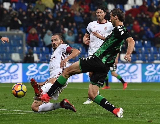 Serie A, vòng 12: Đêm của những đội chiếu dưới ảnh 1