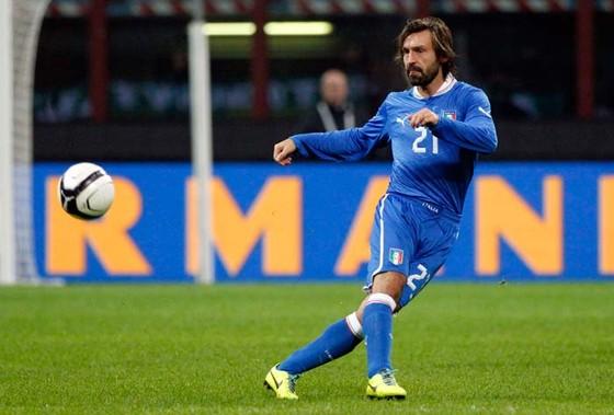 Thế giới bóng đá vinh danh tiền vệ bậc thầy Andrea Pirlo ảnh 2