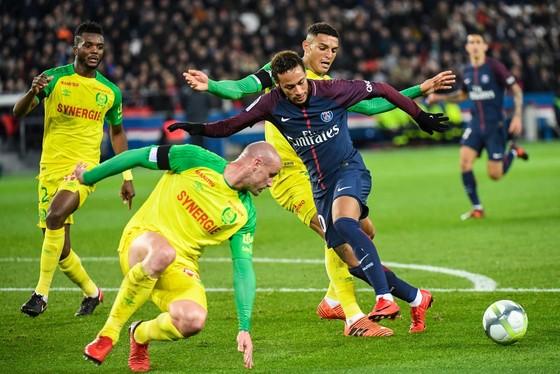 Pháp: Paris Saint Germain đè bẹp Nantes ảnh 1