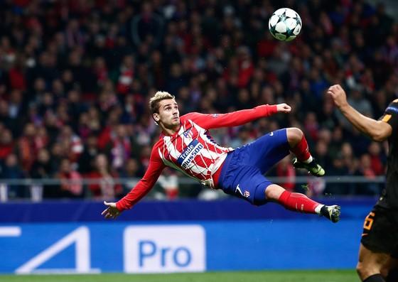 Pha ghi bàn tuyệt đẹp của Antoine Griezmann (Atletico) vào lưới Roma đã làm sân Wanda nức lòng. Ảnh: Getty Images.
