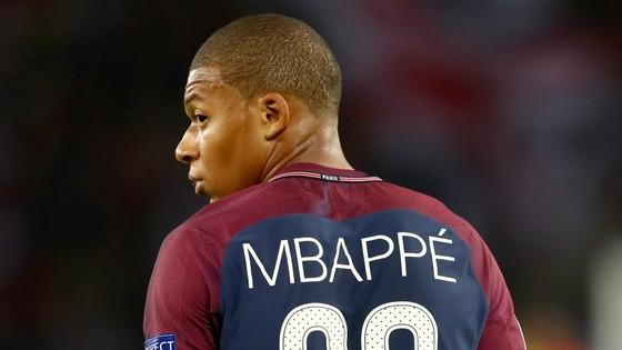 Kylian Mbappe rời Monaco sang PSG khiến đội quân Leonardo Jardim suy yếu. Ảnh: Getty Images.