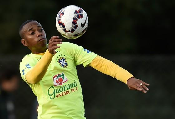 Robinho trong màu áo Brazil. Ảnh: Getty Images.