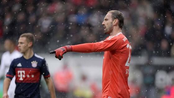 """Bundesliga: """"Hùm xám"""" vô địch mùa đông ảnh 1"""